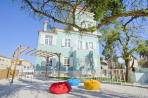 Hen accommodation Estoril