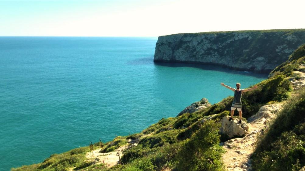 Hiking in Algarve on a European company wellness retreat