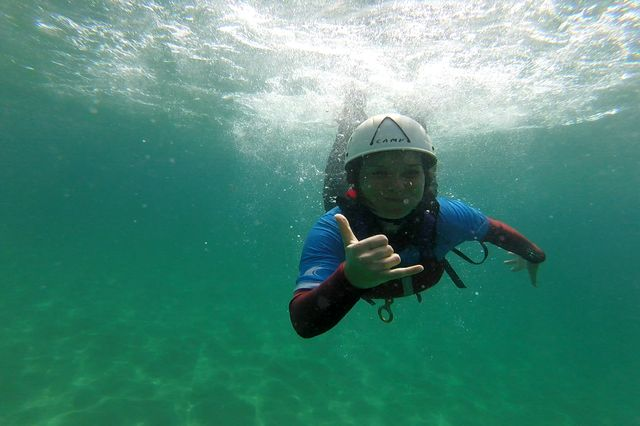 Coasteering Portugal shakka underwater