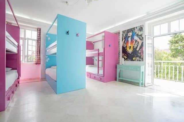bunk room in hen friendly hostel Estoril, Lisbon