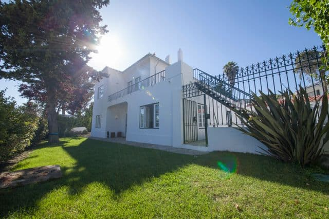 Private villa for hen weekend in Estoril near Lisbon
